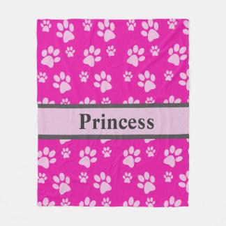 大きい足のプリントのピンク毛布カスタムな犬の名前 フリースブランケット
