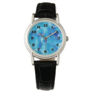大きい跳ねる青い泡 腕時計