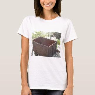 大きい金属箱 Tシャツ