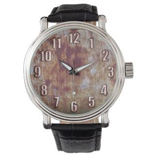 大きい青銅色数腕時計が付いているグランジな錆つかせた金属 腕時計