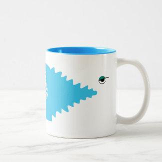 大きい魚の漫画の青い海の小さい魚のトレンディーのカッコいい ツートーンマグカップ