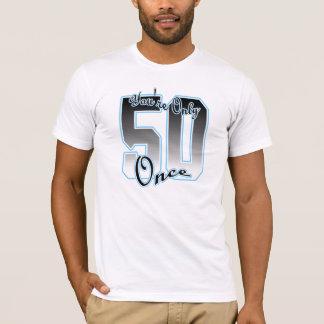 大きい50の青(50だけあなたは一度)のTシャツ Tシャツ