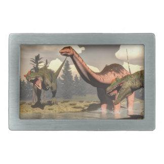 大きいbrontosaurusの恐竜を捜しているアロサウルス 長方形ベルトバックル