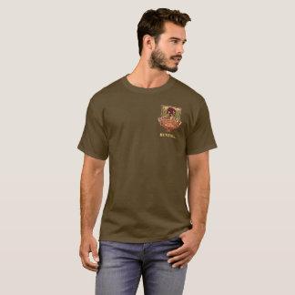 大きいCompany Sasquatch OutfitterのTシャツ|の狩り Tシャツ
