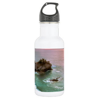 大きいSurの滝の日没 ウォーターボトル