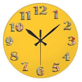 大きくかわいい第08を用いる明るく黄色い円形の時計 ラージ壁時計