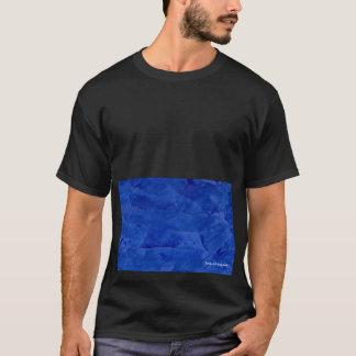 大きくはっきりしたで写実的な濃紺のTシャツ Tシャツ