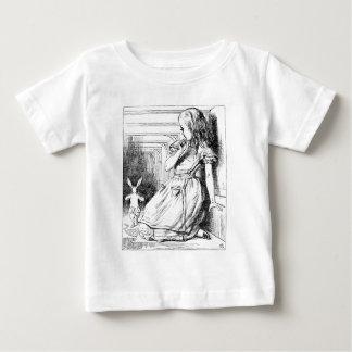 大きく育つアリス ベビーTシャツ