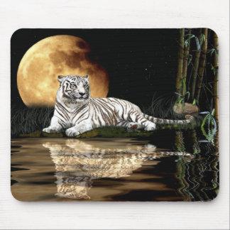 大きな猫のベンガルのインドのトラおよび満月のマウスマット マウスパッド