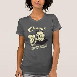 大学: 多くを前に9 AM飲んで下さい Tシャツ