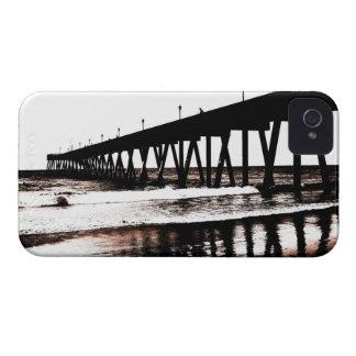 (大抵)白黒の魚釣り桟橋 Case-Mate iPhone 4 ケース