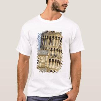 大教会堂および斜塔、ピサ、タスカニー、イタリア Tシャツ