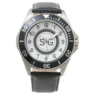 大文字。 名前をカスタムするのモノグラム 腕時計