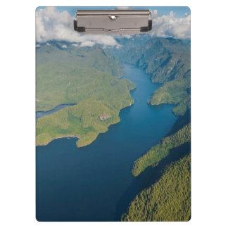 大熊座の雨林の沿岸景色 クリップボード