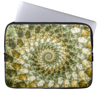 大理石模様をつけられた破片- Mandelbrotの芸術 ラップトップスリーブ
