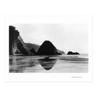 大砲のビーチ、オレゴンの写真の近くのアーチ岬 ポストカード