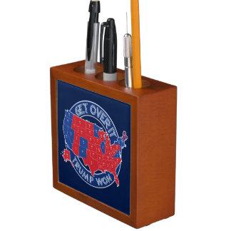 大統領当選者切札は赤く青い机のオルガナイザーに勝ちました ペンスタンド