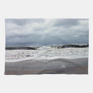 大西洋の嵐の海 キッチンタオル