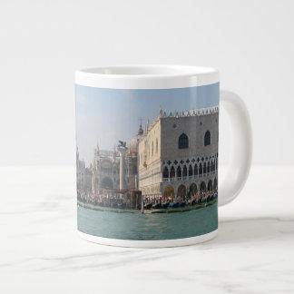 大運河からのセントマークのスクエア ジャンボコーヒーマグカップ