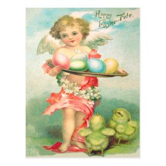 天使の天使のイースターひよこによって着色される卵 ポストカード