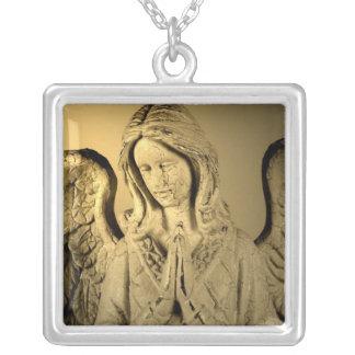 天使を祈ること シルバープレートネックレス