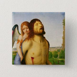 天使、c.1475/78によって支えられる死んだキリスト 5.1cm 正方形バッジ