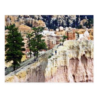 天候によって切り分けられる小尖塔-ブライスの国立公園 ポストカード