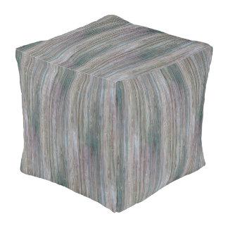 天候打たれたタケ木製の穀物の一見 プーフ
