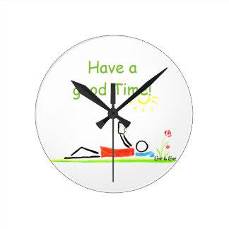 天気の良い日 ラウンド壁時計