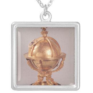 天球、c.1580 シルバープレートネックレス