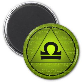 天秤座の(占星術の)十二宮図の印の緑の三角形の巻き毛の原稿 マグネット