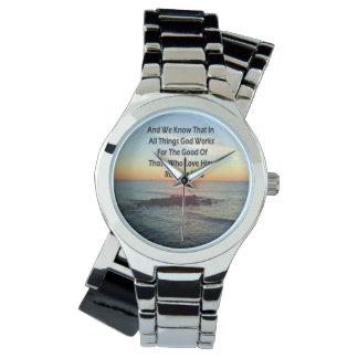 天空の日の出のロマンの8:28の聖書の写真 腕時計