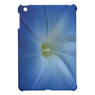 天空の青い朝顔のクローズアップ iPad MINIケース