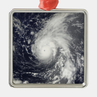 太平洋の台風Vamco メタルオーナメント