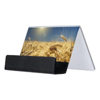 太陽が付いている金ゴールドのムギそして青空 デスク名刺ホルダー