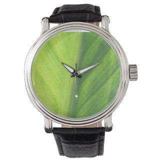 太陽のヴィンテージ革紐の腕時計で半分葉 腕時計