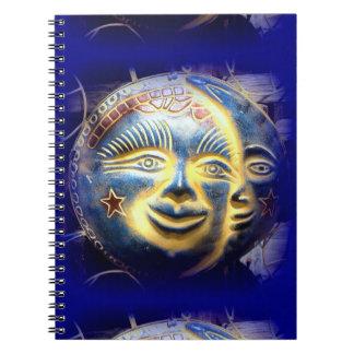 太陽の表面満月様顔貌の濃紺のノート ノートブック