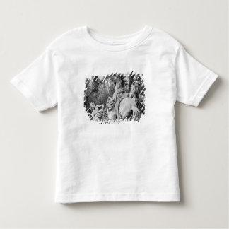 太陽の2頭の馬に手入れをするトリトン トドラーTシャツ