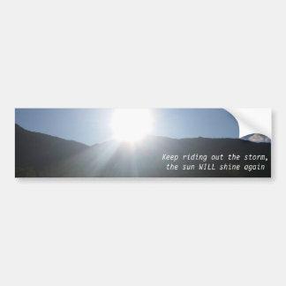 太陽はバンパーステッカーを照らします バンパーステッカー