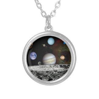 太陽系の航海者のイメージのモンタージュの宇宙の写真 シルバープレートネックレス