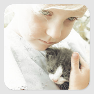 女の子および子ネコ スクエアシール