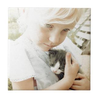 女の子および子ネコ タイル