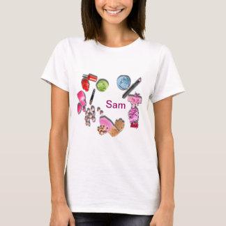 女の子に化粧品をカスタマイズ Tシャツ