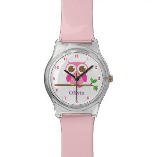 女の子のための枝のかわいくガーリーなピンクのフクロウ 腕時計