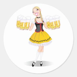 女の子のサービングビールステッカー ラウンドシール