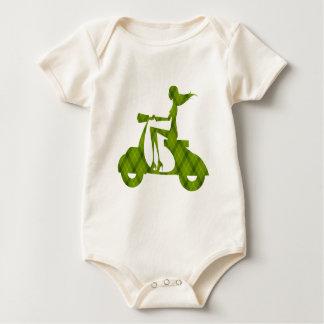 女の子のスクーターの緑の格子縞 ベビーボディスーツ