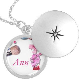 女の子のネックレスをカスタマイズ シルバープレートネックレス