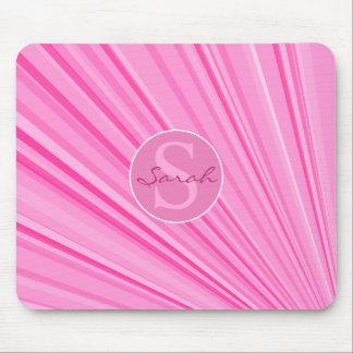 女の子のモノグラムの放射ピンクのマウスパッド マウスパッド