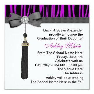 女の子の紫色のシマウマの卒業の発表 13.3 スクエアインビテーションカード