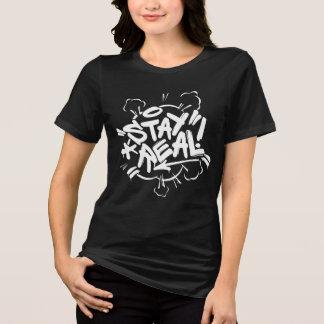 女の子の落書き: 滞在実質のStreetwear Tシャツ